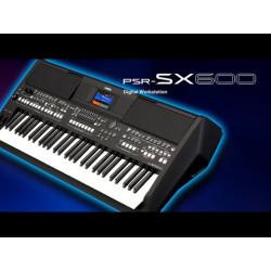 YAMAHA PSR SX600 TASTIERA...
